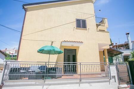 Apartmenthaus Materada 1 nahe Meer - 波雷奇