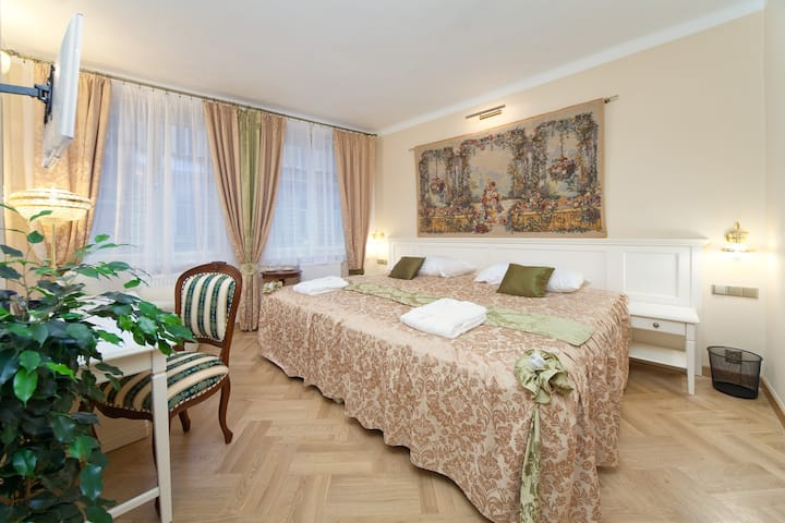 Super Double or Twin room at Merchant's Avenue