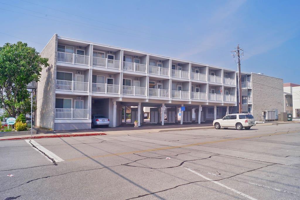 One Bedroom One Bath Ocean Block Condo Condominiums For Rent In Ocean City Maryland United