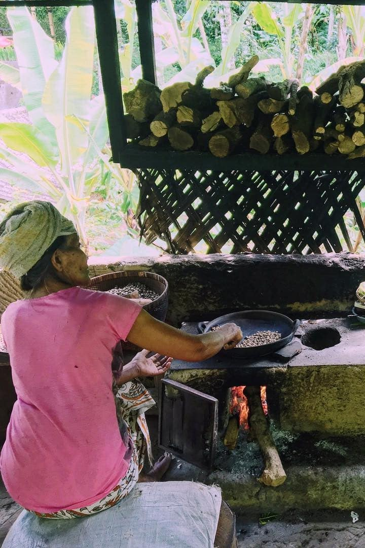 Processing coffee by traditional way
