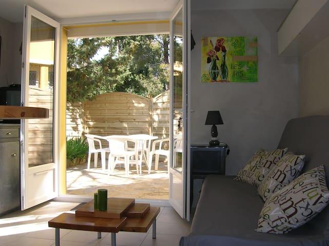 maison proche plage et commerces - Bormes-les-Mimosas - Huis