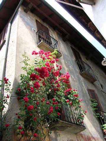Eighteen-century house in Intra - Verbania - Bed & Breakfast