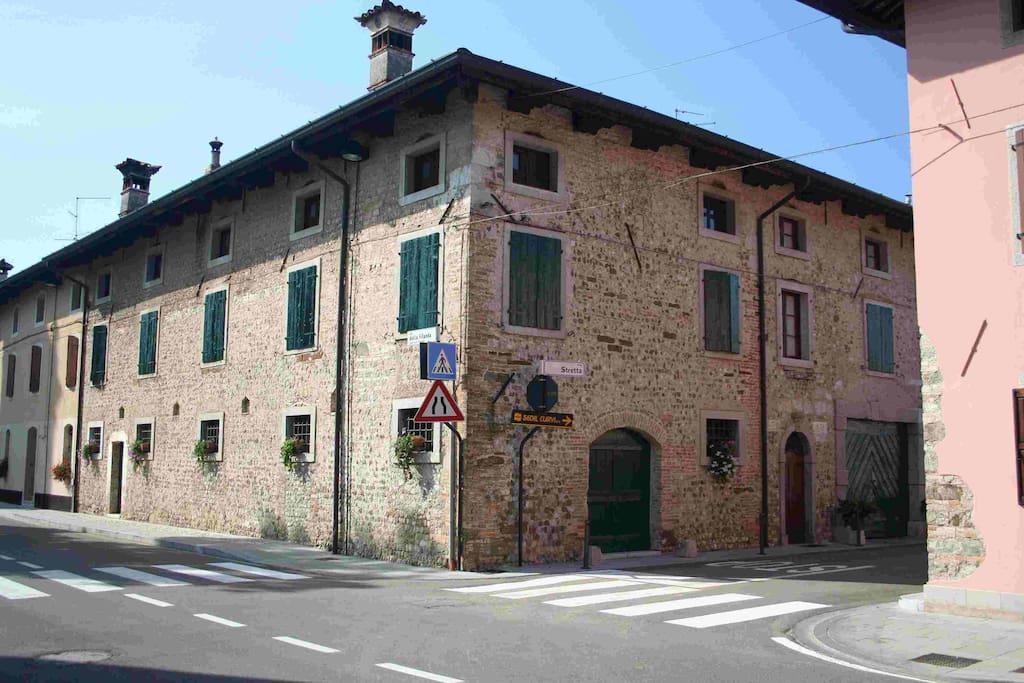 La residenza vista strada