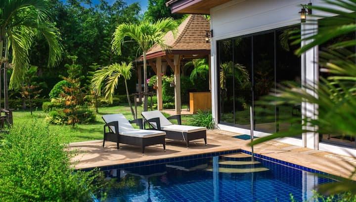 Студия с личным бассейном и садом! Отличная цена!