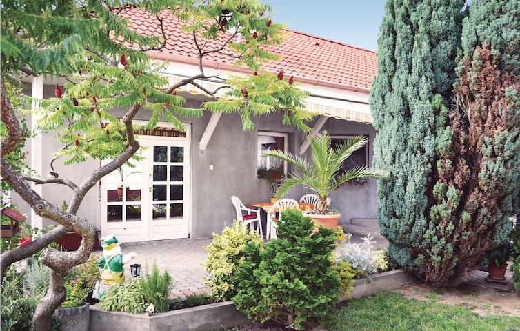 Holiday cottage with 2 bedrooms on 90m² in Balatonlelle