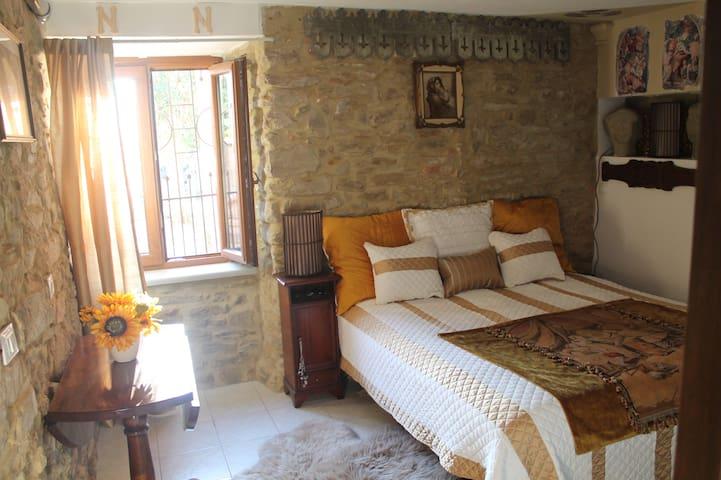 Newly Restored 1br in old farmhouse - Arezzo - Apartment