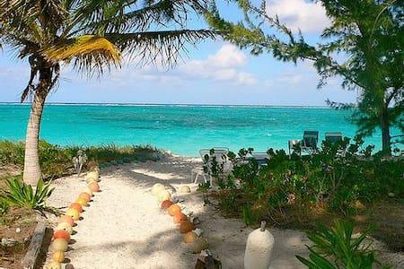 2-3BR Condo on Private 8 Mile Beach - North Caicos - Apartmen