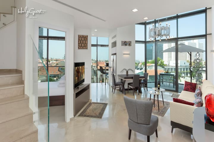 Deluxe Loft 2BR in White City by HolyGuest