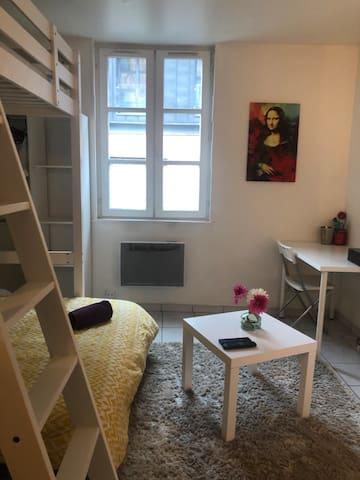 Jolie studio au centre ville avec wifi + Netflix