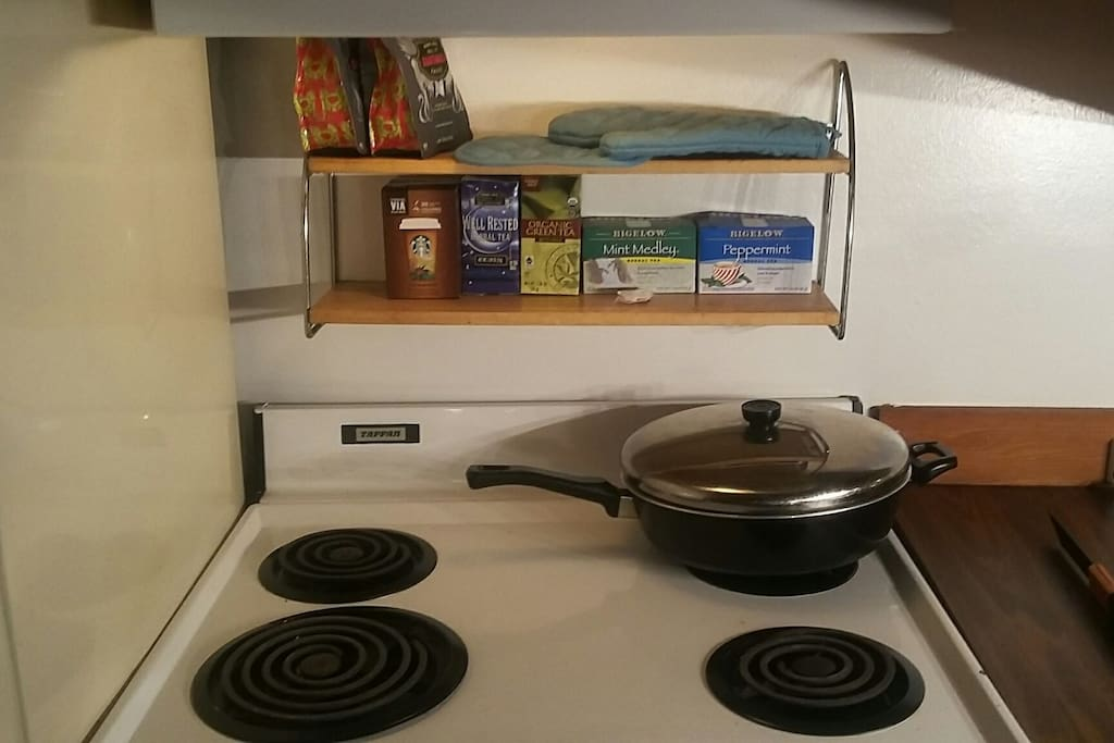 Electric Stove and Oven along with Microwave
