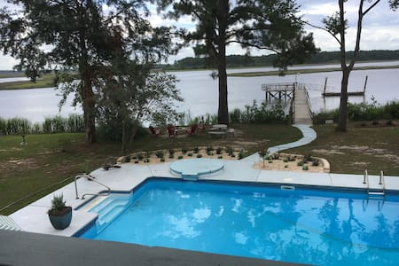 River Front Getaway near Sav Sunsets Yard Pool Dog