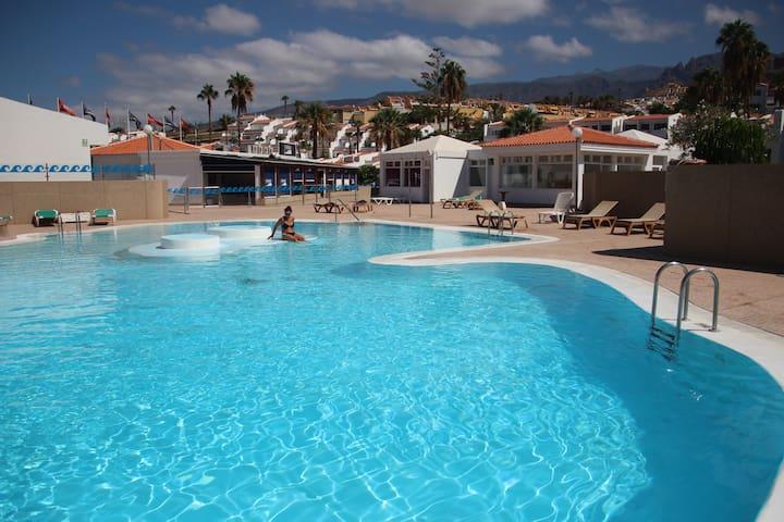 Your heaven in Costa Adeje! Private big Terrace