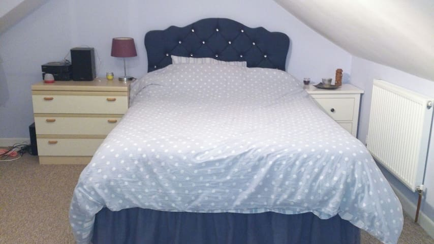 Quiet, comfortable, clean room - Dorchester - House