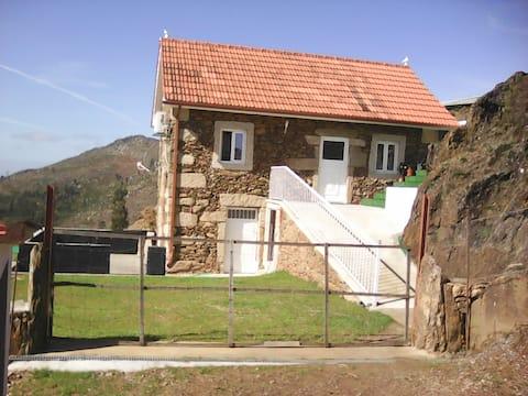 Casa Velha do Castelo, Paradela  Soajo,  PNPG