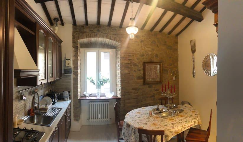 Room in Villa in heart of medieval town Notaresco