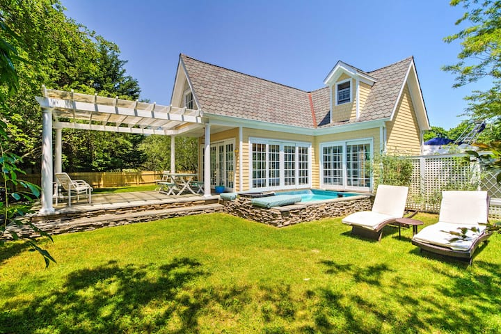 Romantic Shelter Island Cottage w/2 Pools & Pond