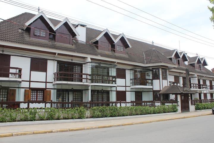 Apartamento em Campos, próximo ao Centro Capivari