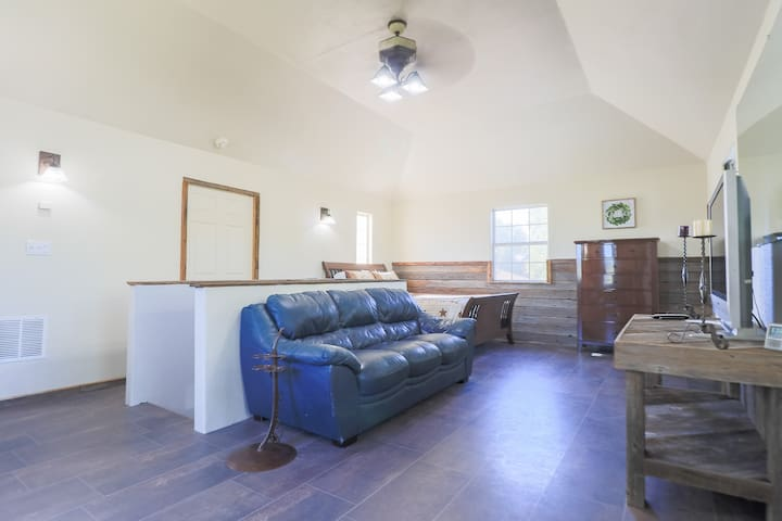 Guada Coma's Barnwood inspired Star Suite