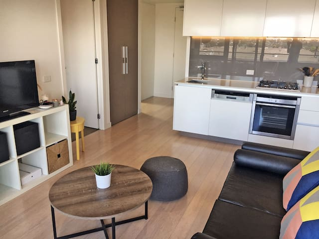 Modern 1 bedroom + study in the heart of Brunswick - Brunswick East - Departamento