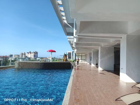 DE MELUR HOMESTAY @ ICON (CITY VIEW & POOL)
