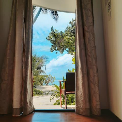 Thundi Sea View  Open garden Bathroom