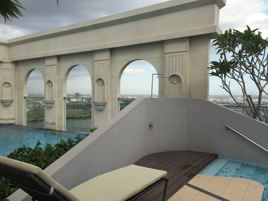 multiple pools on the rooftop