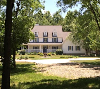 Country living near Indianapolis - Whiteland