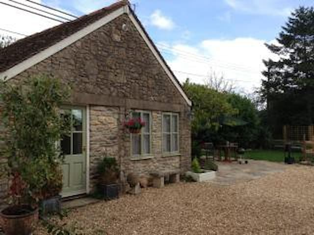 Gardeners Cottage - Sherborne - House