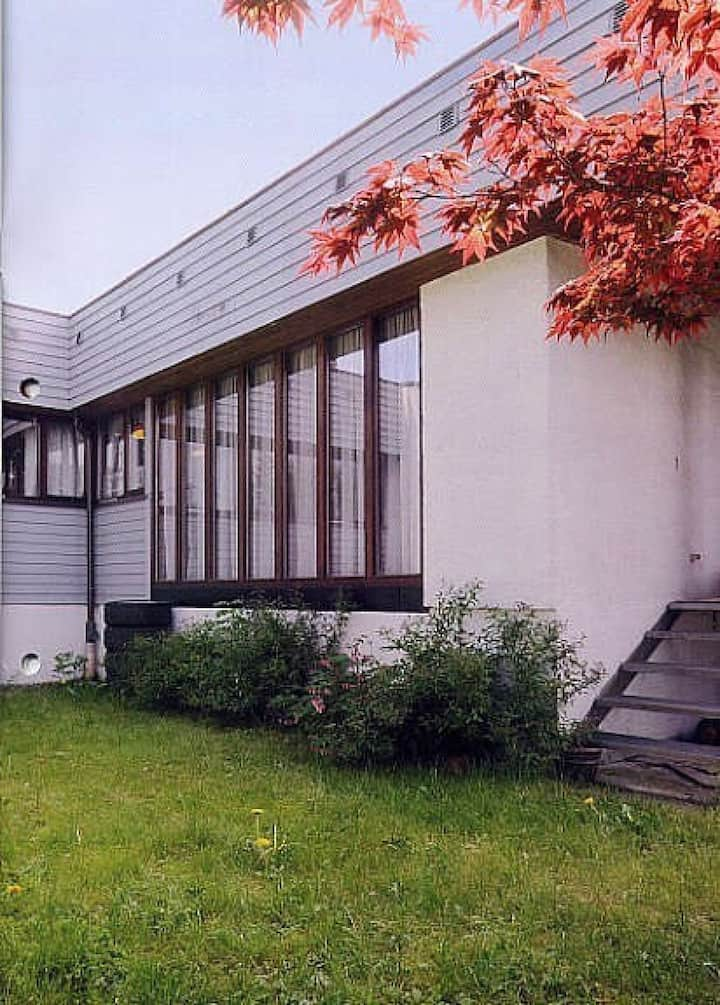 Fully furnished house with 5 bedrooms and parking in Nordstrand. Perfect for company.