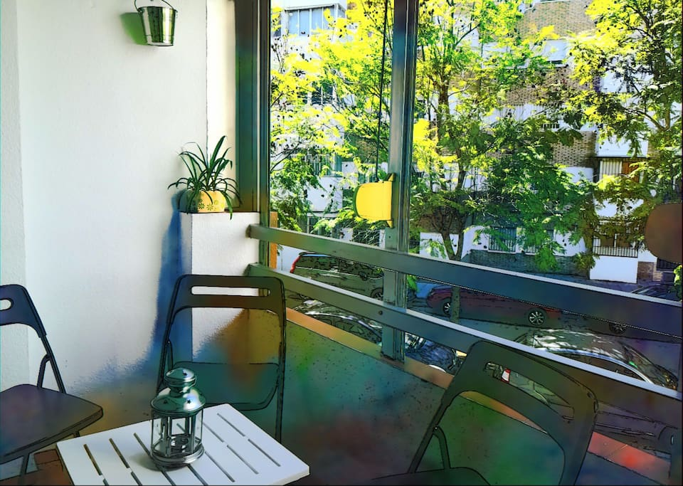 Pequeña terraza junto al salón