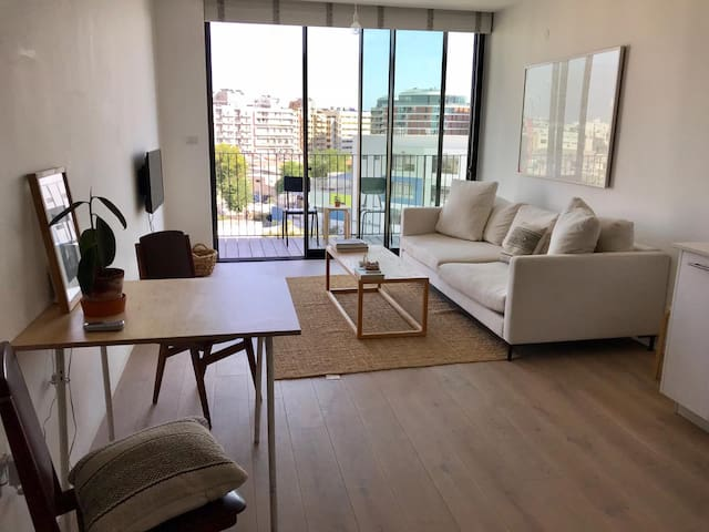 Perfect Zen Apartment with Free Pool and Parking