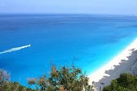 Lefkada Island Vassiliki VILLAS Pool Sleeps 6 - レフカダ