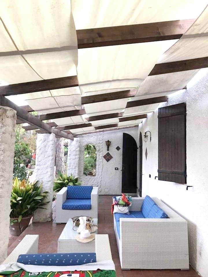 Villa La Cicocca, 50 mt from the beach