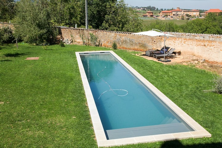 Grande Maison de famille en Beaujolais, pool