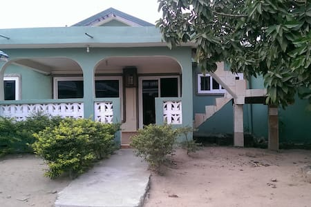 Charming room in Kasoa - Kasoa - House