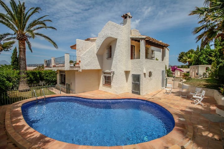 Sant Jordi - sea view villa with private pool in Moraira
