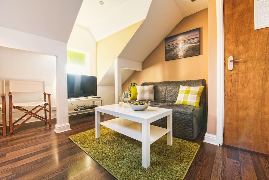Modern and Fresh Apartment
