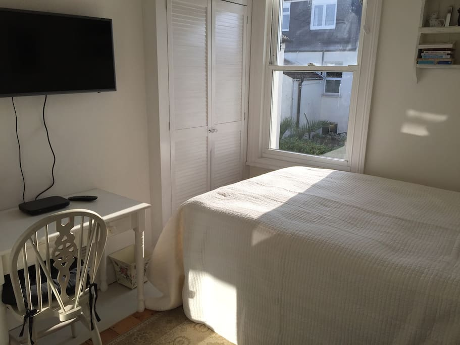 Very comfortable double bed with Sky Q TV