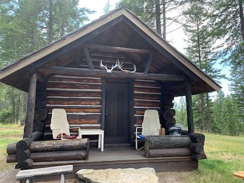 1884 Montana Trapper's Cabin -Idyllic Location