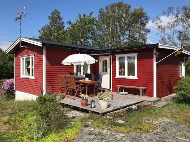 Stuga 20 km norr om Varberg och 2 km från Ringhals