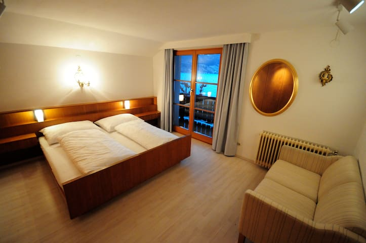 Cosy house next to the lake with terrace + balcony - Zell am See District - Haus