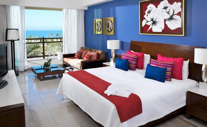The Grand Mayan hotel at Los Cabos