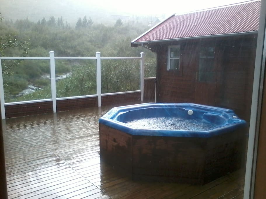 The hot tub on the patio