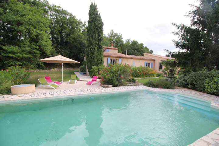 Holiday house near Vaison-la-Romaine, Vaucluse, private swimming pool