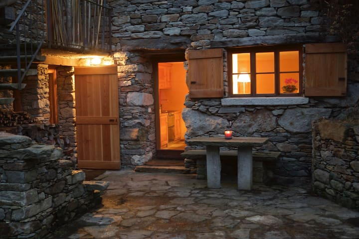 Cosy flat in Valsesia just off Riva - Riva Valdobbia - 公寓