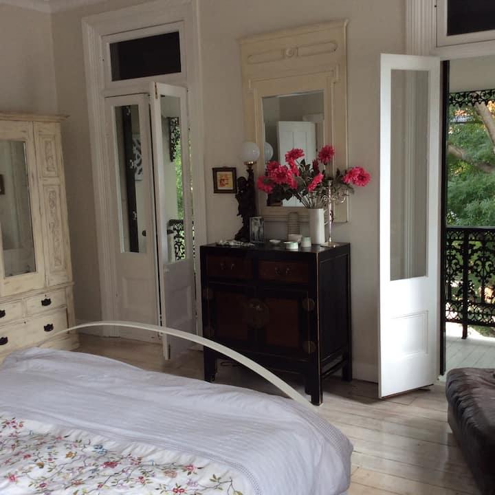 Big, beautiful queen size bedroom Leichhardt