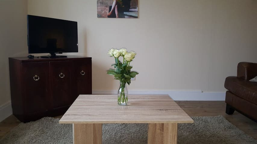 Comfy Two Bed Apartment in Glasgow