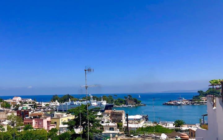 Appartament con vista sul Porto di Ischia