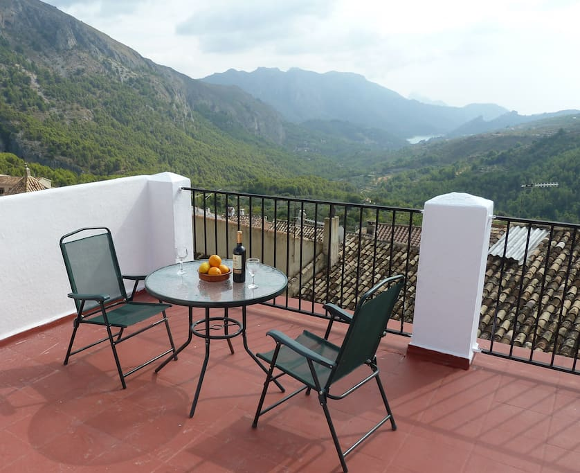 AMAZING views over the Guadalest valley. Sunrises you will never forget. And a view of the sea.