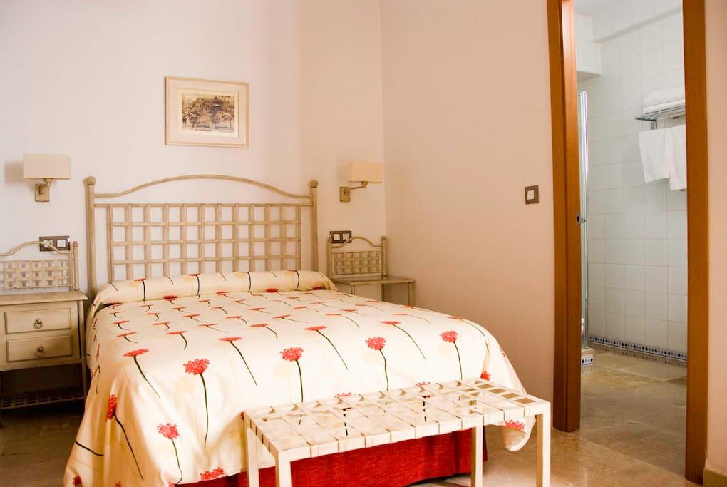Apto. 6 Situado en primera planta, dormitorio interior, muy tranquilo.